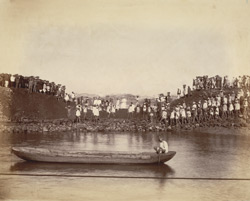 Subsidiary dam, Musjid Basin, when being closed [Victoria Dock construction, Bombay].